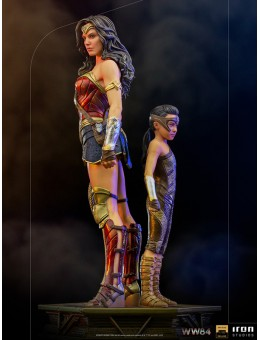 Wonder Woman & Young Diana Deluxe Art...